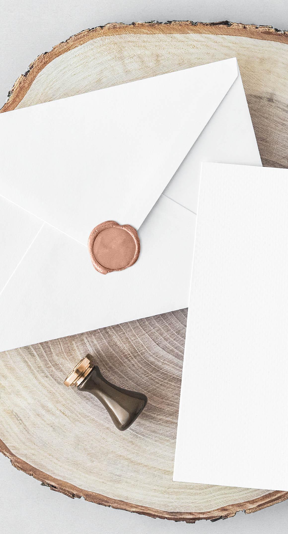 Free-Invitation-Card-Envelope-mockup-2